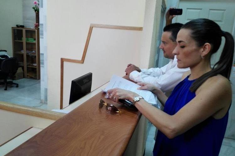 La abogada Ana Lucía Alejos Botrán presentó dos solicitudes de antejuicio en contra de los ministro de Gobernación y Defensa. (Foto Prensa Libre:Hemeroteca PL)