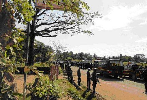 Cientos de policías llegaron ayer a desalojar la finca Aguas Calientes, en el municipio de Panzós, Alta Verapaz.