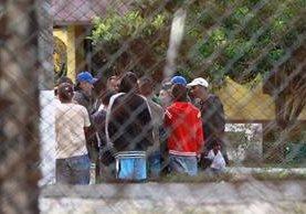 Autoridades del Inacif y Mingob coinciden en que, según las evidencias, los reos ultimados en la cárcel de Pavón habrían estado sometidos antes de ser asesinados. (Foto Prensa Libre: Hemeroteca PL)