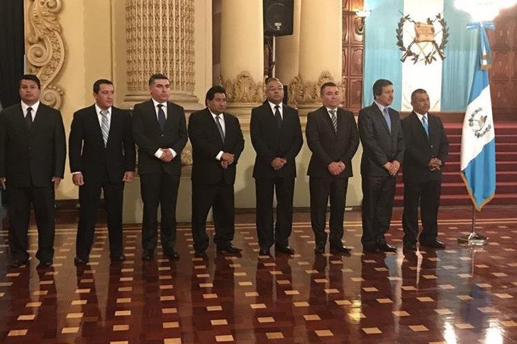 Ocho gobernadores fueron juramentados dos días después de la tragedia en el Hogar Seguro Virgen de la Asunción. (Foto Prensa Libre: Hemeroteca PL)