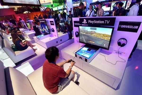 <p>La consola PlayStation ha sido una de las favoritas de los gamers durante dos décadas (Foto Prensa Libre: AFP).</p>