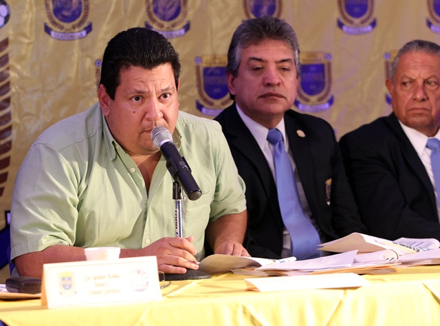 Alfonso Cruz renunció a la presidencia de la Liga Nacional y aspira llegar a la Fedefut. (Foto Prensa Libre: Hemeroteca PL).