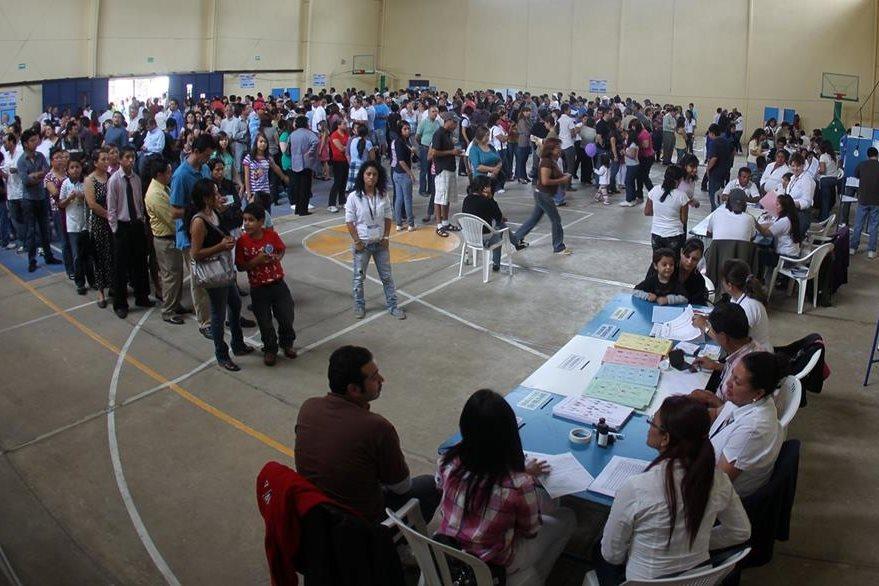 Centro de votación en Mixco. El porcentaje de participación en las elecciones 2011 fue de 60.83% en la primera vuelta. (Foto: Hemeroteca PL)