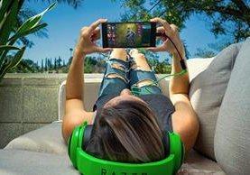 "Razer fabricó un teléfono destinado a los ""gamers"", (Foto Prensa Libre: andro4all.com)"