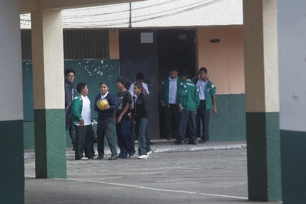 En la Escuela Normal Central para Varones, en la zona 13, la inscripción de estudiantes ha sido mínima.