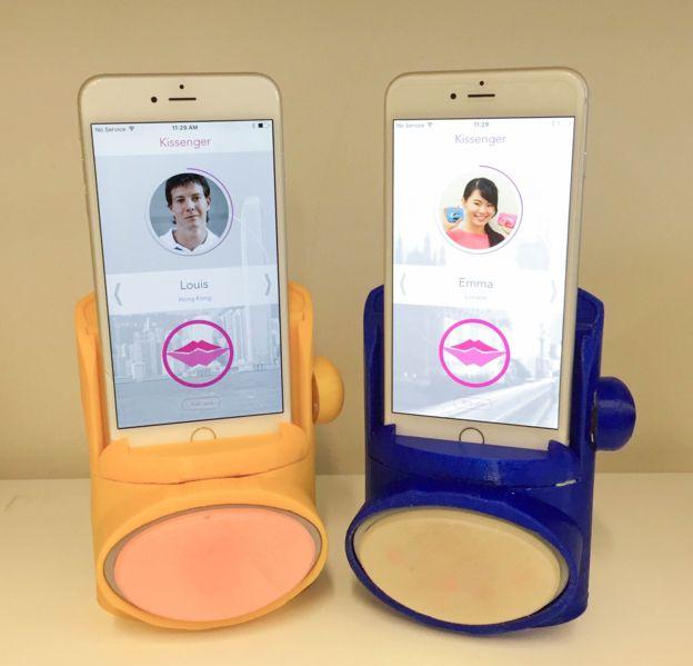 El Kissengger promete que los besos que se envían por teléfono se puedan también sentir. (IMAGINEERING INSTITUTE)