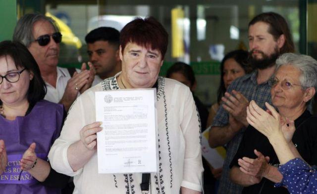 Ascensión López afirma haber encontrado documentos que indican que su adopción fue ilegal.