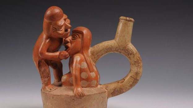 En la década de 1960, los menores de edad tenían prohibida la entrada a la sala de los huacos eróticos. MUSEO LARCO, LIMA - PERÚ
