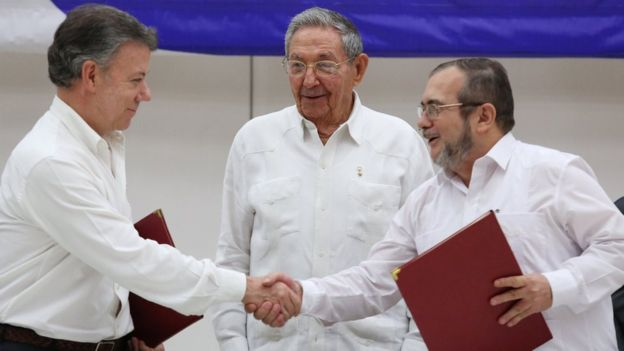 Las negociaciones entre la guerrilla y el gobierno colombiano comenzaron en noviembre del 2012. (Reuters).