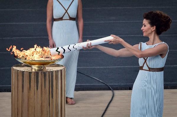 La Antorcha Olímpica llegó a Brasil para comenzar la fase final de su recorrido. (Foto Prensa Libre: AFP)