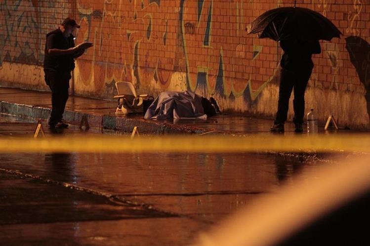Lugar donde fue asesinado Oliver Reginaldo Gómez Ramírez en la zona 1 capitalina. (Foto Prensa Libre: Hemeroteca PL).
