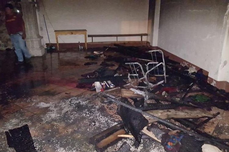 Local del Mercado de Artesanías de San Antonio Aguas Calientes, Sacatepéquez, que fue dañado por el incendio. (Foto Prensa Libre: Renato Melgar)