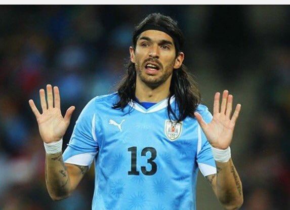 Sebastián Abreu jugará un partido benéfico en El Salvador. (Foto Prensa Libre: Internet).