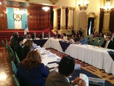 Reunión de Conabed dirigida por el vicepresidente Jafeth Cabrera. (Foto Prensa Libre: Vicepresidencia)