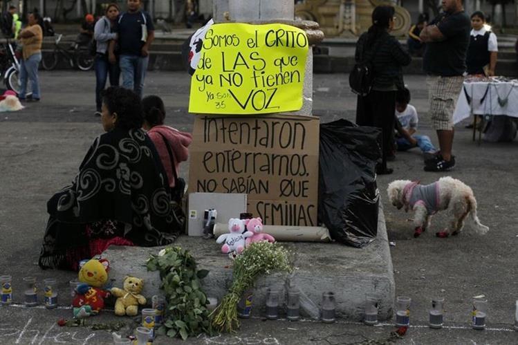 Nueve adolescentes fueron enviadas a Estados Unidos para recibir tratamiento médico (Foto Prensa Libre: Hemeroteca PL).