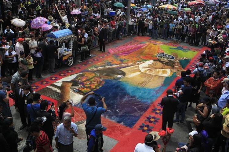 Las alfombras son un derroche de creatividad y una manifestación de arte efímero. (Foto: Hemeroteca PL)
