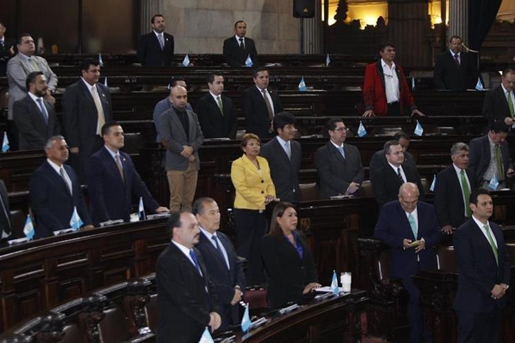 Varias opiniones causó en el Congreso las críticas del arzobispo metropolitano Óscar Julio Vian. (Foto Prensa Libre: Hemeroteca PL)