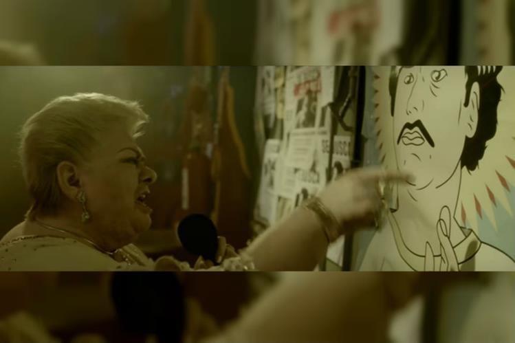 La cantante mexicana Paquita la del Barrio dedica su famosa canción a Pablo Escobar. (Foto Prensa Libre: YouTube)