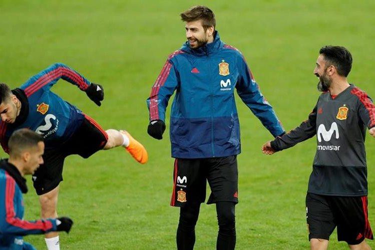 Piqué se burló de los jugadores del Madrid en WhatsApp