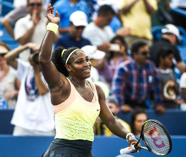 Serena Williams festeja su triunfo en suelo norteamericano. (Foto Prensa Libre: EFE)