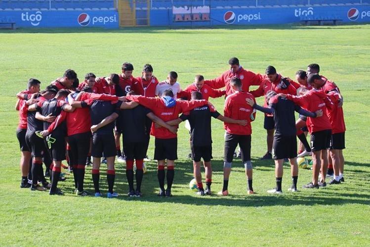 Los jugadores de Xelajú MC se encuentran motivados. (Foto Prensa Libre: Raúl Juárez)