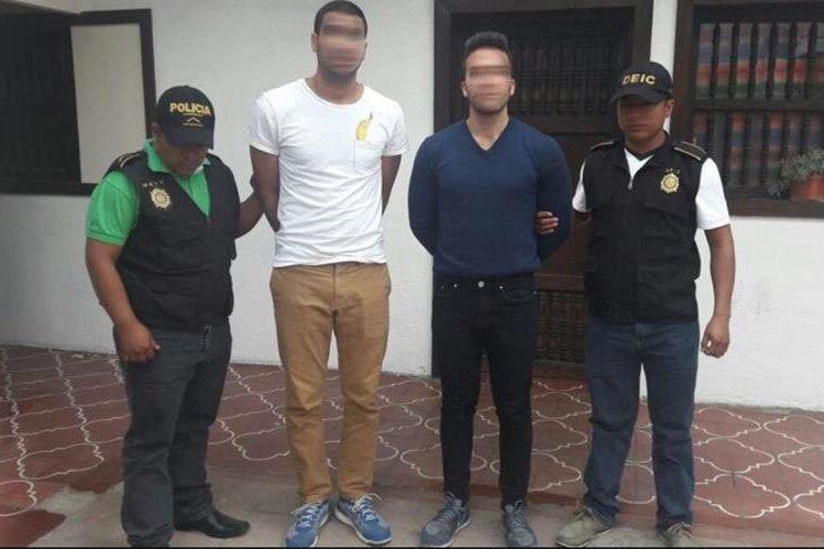 Kerendian Avraham Chaim y Nachshoni Amizur fueron capturados sindicados de violación. (Foto Prensa Libre: Cortesía PNC)
