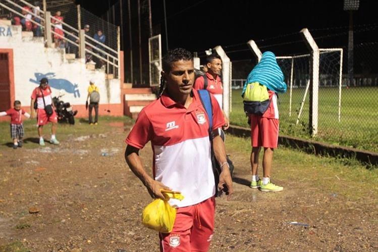 La fuerte lluvia impidió que se jugará el duelo entre Mictlán y Antigua. (Foto Prensa Libre: Cortesía Club Antigua GFC)