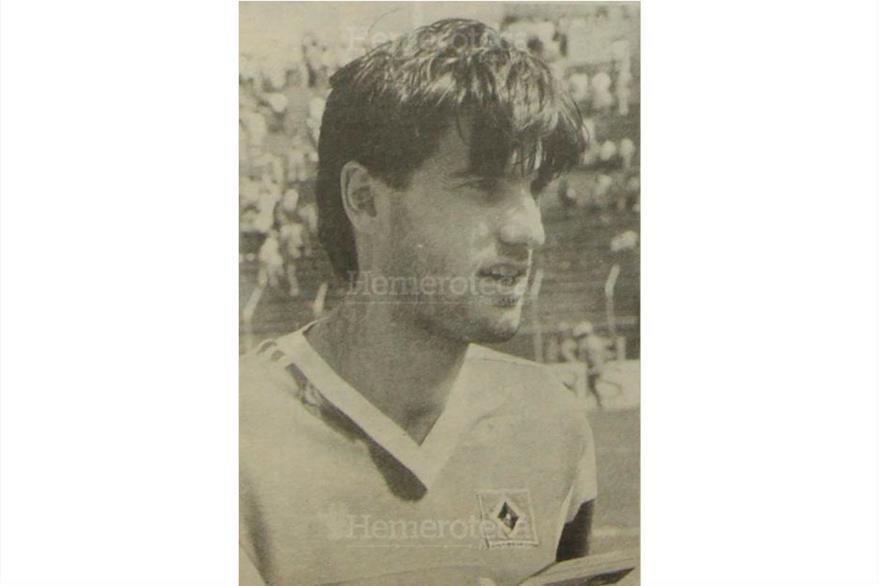 """Carsten Kober del equipo alemán  al ser entrevistado  dijo """"Costa Rica más fuerte que Guatemala, 30/01/1989. (Foto: Hemeroteca PL)"""