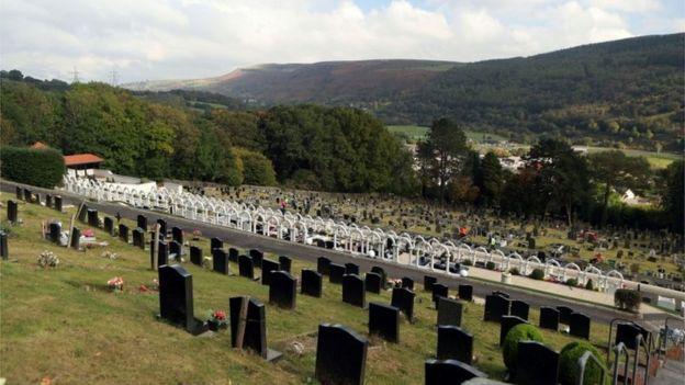 Las víctimas fueron enterradas en el cementerio de Aberfan. PA