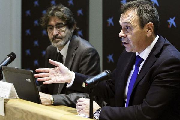 <p>El director general del INTECO, Miguel Rego (d), durante la presentación del 8 Encuentro Nacional de la Industria de Ciberseguridad en España. (Foto Prensa Libre: EFE)<br></p>