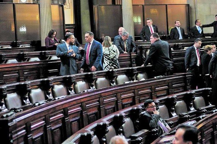 El Congreso se reunió 52 veces en los primeros seis meses del año, pero solo ocho diputados asistieron a todas las plenarias. (Foto Prensa Libre: Hemeroteca PL)