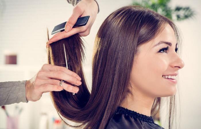 Cambiar el estilo de su cabello puede favorecer a su rostro y cuerpo. (Foto Prensa Libre: Colombia.com).