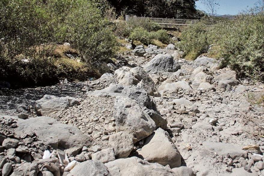 El río Selegua, Chiantla, Huehuetenango, perdió su caudal. En algunas áreas hay agua de drenajes.