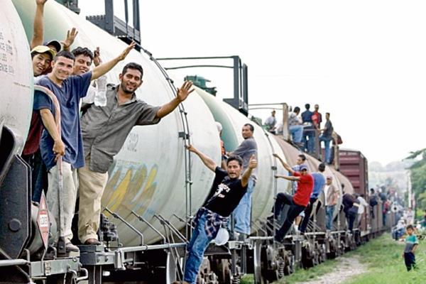 Miles de centroamericanos intentan cruzar México con el objetivo de llegar a EE. UU. (Foto Prensa Libre: Hemeroteca PL).