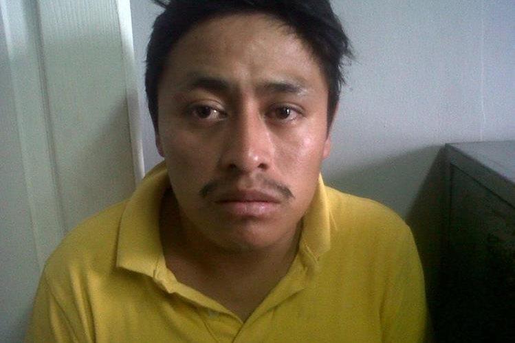 Mario René Amador Galicia fue capturado por su presunta participación en al menos 18 violaciones a mujeres en Amatitlán. (Foto Prensa Libre: Cortesía PNC)