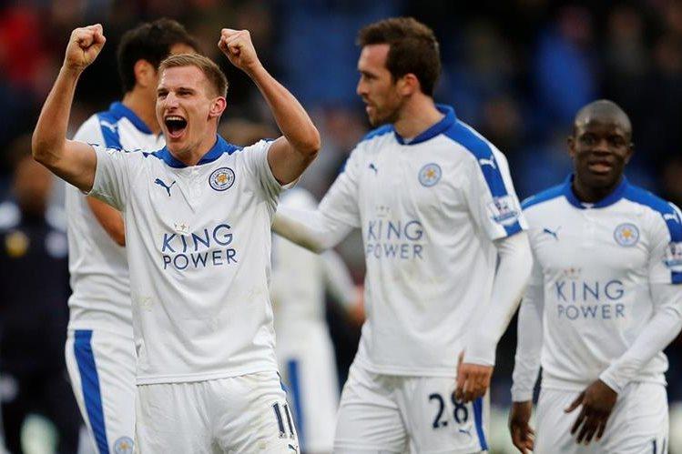 El Leicester sigue con el sueño intacto de ser campeón en Inglaterra. (Foto Prensa Libre: AP)