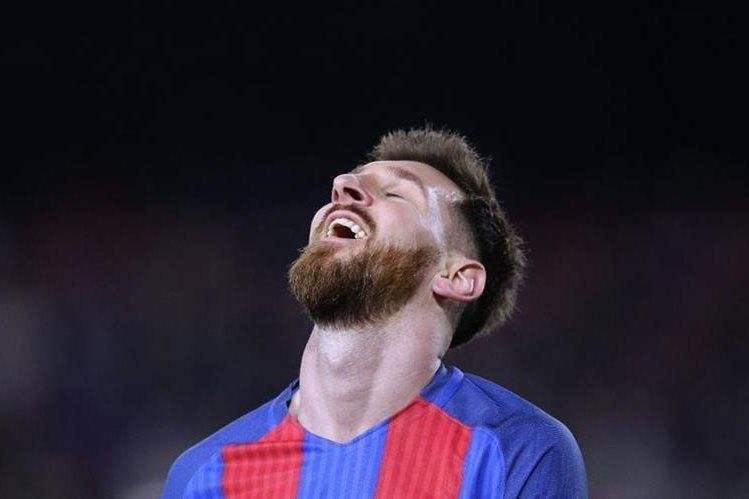 La renovación de Messi con el Barcelona es de lo más comentado del 2016. (Foto Prensa Libre: Hemeroteca PL)