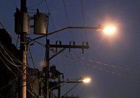 El cambio de bombillas actuales por unas más eficientes es necesario para disminuir el consumo por alumbrado público, recomiendan consultores.