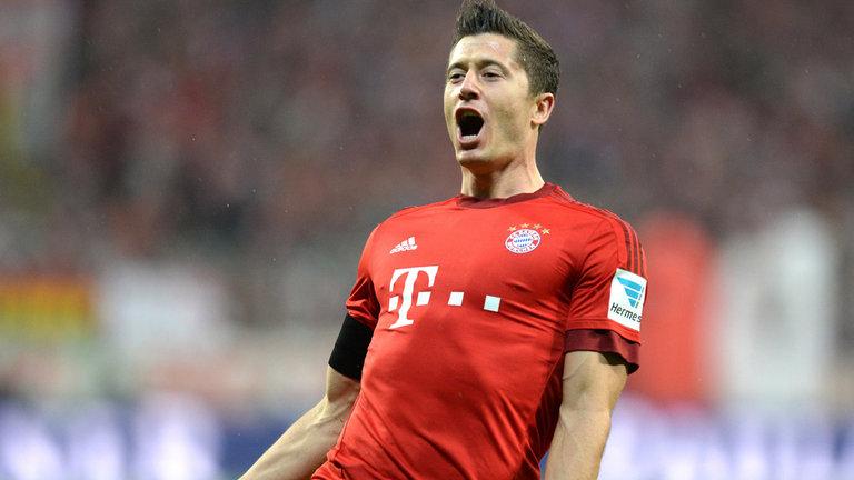 El polaco Robert Lewandowski renovará su contrato con el Bayern Municha hasta el 2021. (Foto Prensa Libre: Hemeroteca)