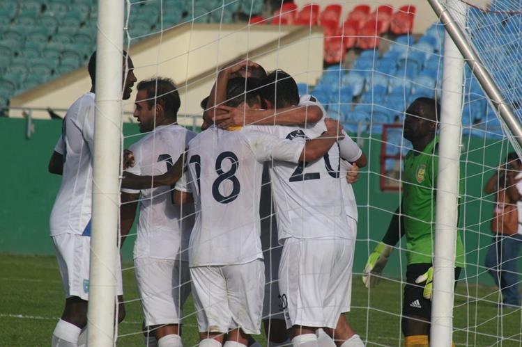 La Selección Nacional goleó 4-0 a San Vicente y las Granadinas en su último compromiso oficial en el camino mundialista. (Foto Prensa Libre: Hemeroteca)