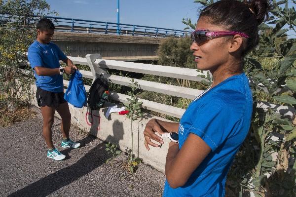 Érick Barrondo y Mirna Ortiz regresaron a España para continuar con su preparación con vistas al Mundial de Londres. (Foto Prensa Libre: EFE)