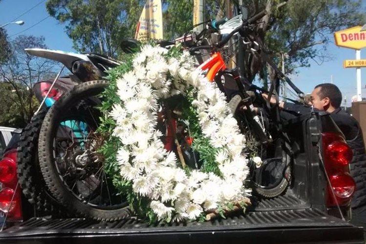 Fue un momento muy emotivo el que vivieron familiares y amigos de Vicko Castillo. (Fotografías Prensa Libre: Cortesía de Arturo Ochoa)