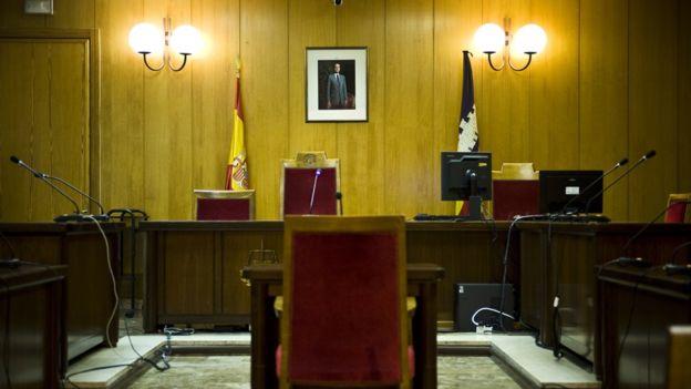 La Fiscalía española pide para los padres tres años y tres meses de prisión. GETTY IMAGES