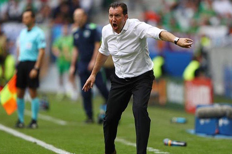 El técnico Marc Wilmots dirigió a Bélgica por última vez en la Eurocopa de Francia. (Foto Prensa Libre: Hemeroteca)