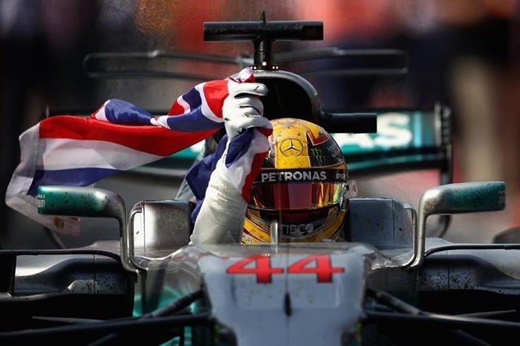 Hamilton hizo la pole en Canadá