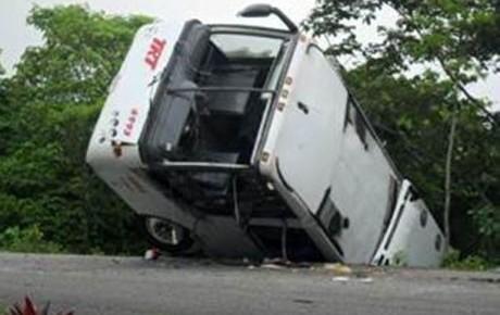 Medios locales documentaron el percance ocurrido en Chiapas. (Foto tomada del sitio: causaprobable.com).
