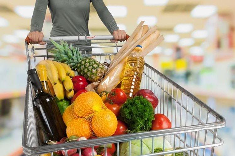 Las personas buscan ahorrar en sus compras de supermercado y existen más formas de hacerlo que van más allá de hacer una lista. (Foto Prensa Libre: Hemeroteca)