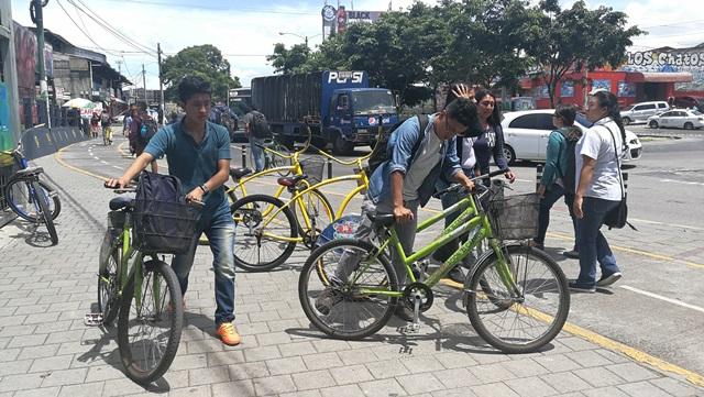 Estudiantes iniciarán el viaje del campus universitario hacia la calzada Aguilar Batres. (Foto Prensa Libre: Oscar Felipe Q.)