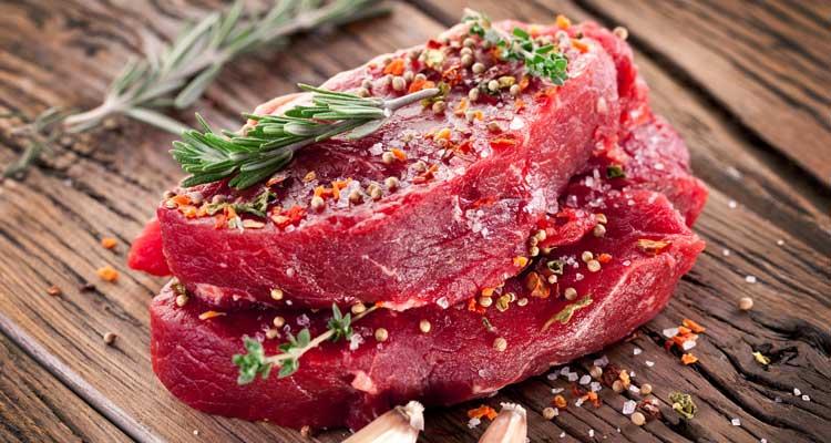 La carne procesada como los embutidos aumenta el riesgo de cáncer colorrectal en 18 por ciento, asegura la OMS. (Foto Prensa Libre)
