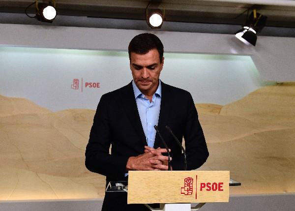 Pedro Sánchez,secretario general del PSOE participa en un reunión del partido. (EFE).